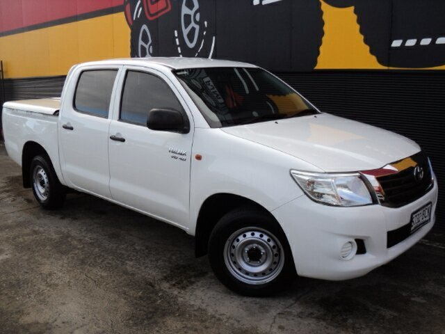 Used Toyota Hilux GGN15R MY14 SR Double Cab 4x2, 2014 Toyota Hilux GGN15R MY14 SR Double Cab 4x2 Glacier White 5 Speed Automatic Utility
