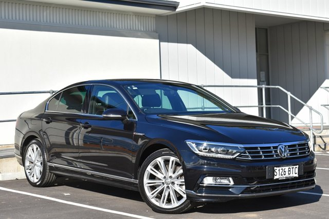 Used Volkswagen Passat 3C (B8) MY17 206TSI DSG 4MOTION R-Line, 2017 Volkswagen Passat 3C (B8) MY17 206TSI DSG 4MOTION R-Line Dark Blue Metallic 6 Speed