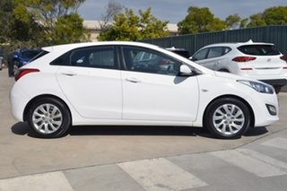2013 Hyundai i30 GD2 Active White 6 Speed Manual Hatchback.