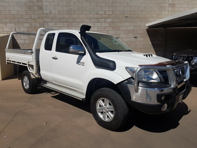 Used Toyota Hilux KUN26R MY14 SR5 (4x4), 2013 Toyota Hilux KUN26R MY14 SR5 (4x4) White 5 Speed Manual X Cab Pickup