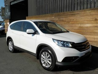 2013 Honda CR-V RM VTi White 6 Speed Manual Wagon.