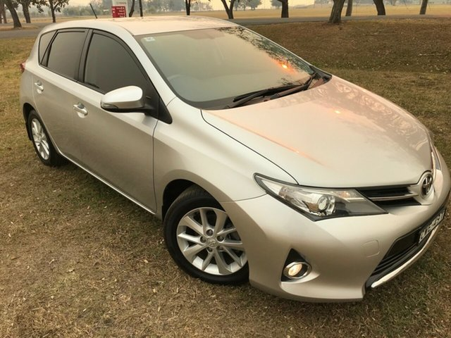 Used Toyota Corolla ZRE182R Ascent Sport, 2014 Toyota Corolla ZRE182R Ascent Sport Silver Pearl 6 Speed Manual Hatchback