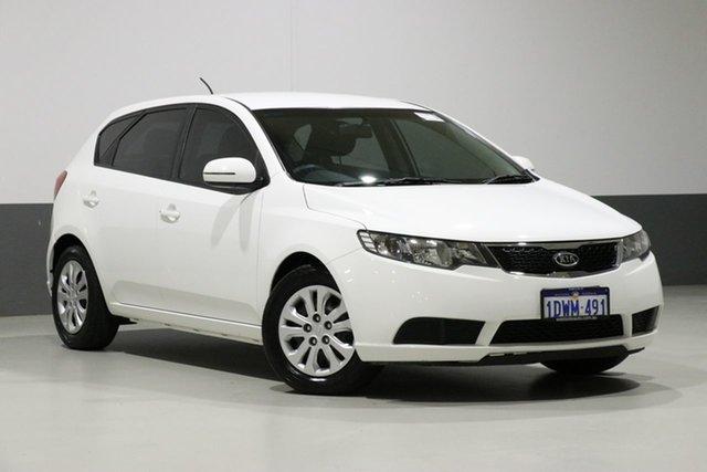 Used Kia Cerato TD MY12 SI, 2012 Kia Cerato TD MY12 SI White 6 Speed Automatic Hatchback