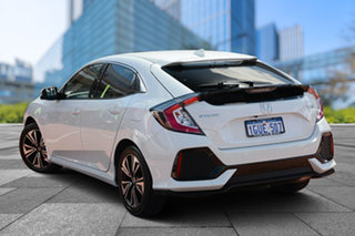 2019 Honda Civic 10th Gen MY19 VTi-L Platinum White 1 Speed Constant Variable Hatchback.
