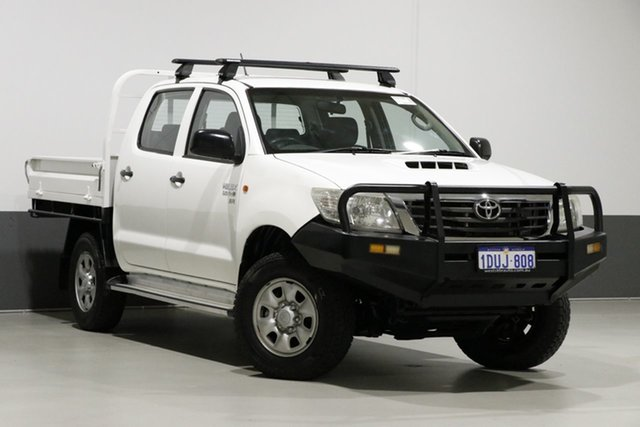 Used Toyota Hilux KUN26R MY12 SR (4x4), 2011 Toyota Hilux KUN26R MY12 SR (4x4) White 5 Speed Manual Dual Cab Chassis