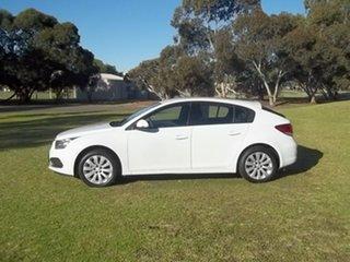 2016 Holden Cruze JH Series II MY16 Equipe White 5 Speed Manual Hatchback.