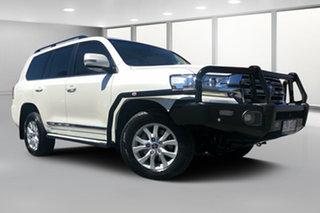 2017 Toyota Landcruiser VDJ200R MY16 Sahara (4x4) Crystal Pearl 6 Speed Automatic Wagon.