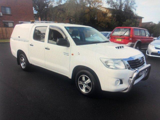 Used Toyota Hilux KUN16R MY12 SR, 2013 Toyota Hilux KUN16R MY12 SR White 5 Speed Manual Dual Cab Pick-up
