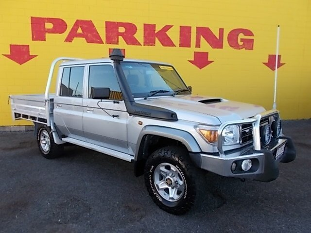 Used Toyota Landcruiser VDJ79R GXL Double Cab, 2014 Toyota Landcruiser VDJ79R GXL Double Cab Silver 5 Speed Manual Cab Chassis
