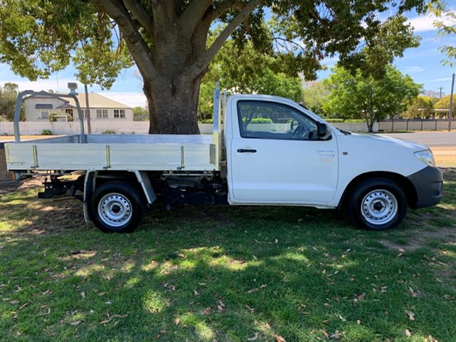Used Toyota Hilux TGN16R MY10 Workmate 4x2, 2011 Toyota Hilux TGN16R MY10 Workmate 4x2 White 4 Speed Automatic Cab Chassis