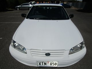 1999 Toyota Camry MCV20R Touring 5 Speed Manual Sedan.