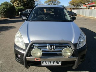 2005 Honda CR-V (4x4) SE 5 Speed Automatic Wagon.