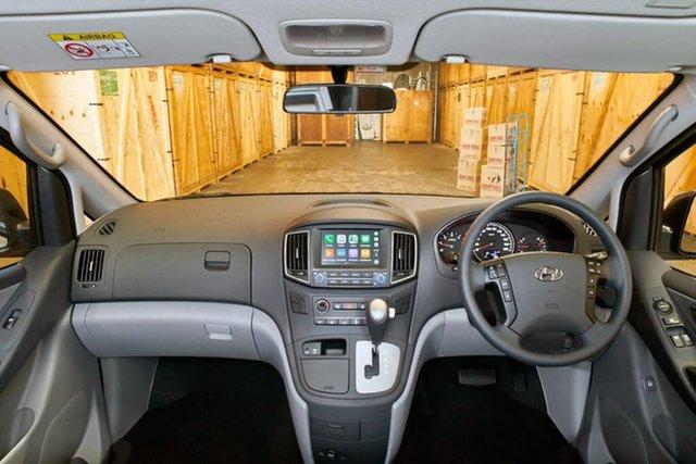 Demo Hyundai iLOAD TQ4 MY19 Crew Cab, 2019 Hyundai iLOAD TQ4 MY19 Crew Cab Creamy White 5 Speed Automatic Van