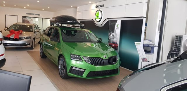 New Skoda Octavia NE MY19 RS DSG 245, 2019 Skoda Octavia NE MY19 RS DSG 245 Green 7 Speed Sports Automatic Dual Clutch Wagon
