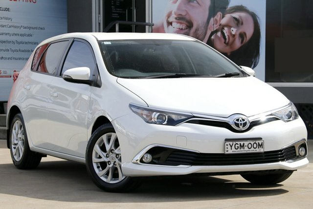 Used Toyota Corolla ZRE182R MY15 Ascent Sport, 2016 Toyota Corolla ZRE182R MY15 Ascent Sport Crystal Pearl 7 Speed CVT Auto Sequential Hatchback