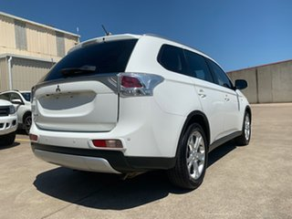 2014 Mitsubishi Outlander ZJ MY14.5 ES 2WD White 6 Speed Constant Variable Wagon
