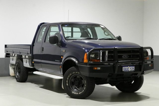 Used Ford F250 RM XLT (4x4), 2002 Ford F250 RM XLT (4x4) Blue 4 Speed Automatic Pickup