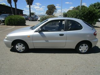 2000 Daewoo Lanos SE 4 Speed Automatic Hatchback