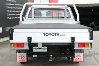 2014 Toyota Hilux TGN16R MY14 Workmate Double Cab 4x2 Glacier White 5 Speed Manual Utility
