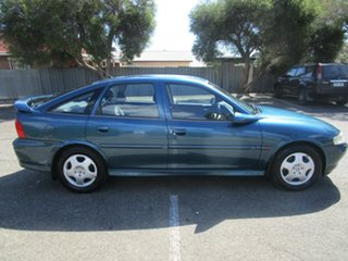 2001 Holden Vectra JSII CD 4 Speed Automatic Hatchback.