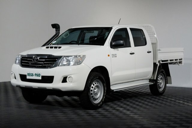 Used Toyota Hilux KUN26R MY14 SR Double Cab, 2015 Toyota Hilux KUN26R MY14 SR Double Cab Glacier 5 Speed Automatic Cab Chassis
