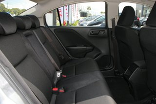 CITY VTi Sedan - Manual 19