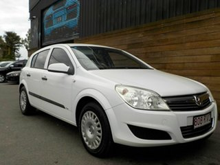 2008 Holden Astra AH MY08 CD White 4 Speed Automatic Hatchback.