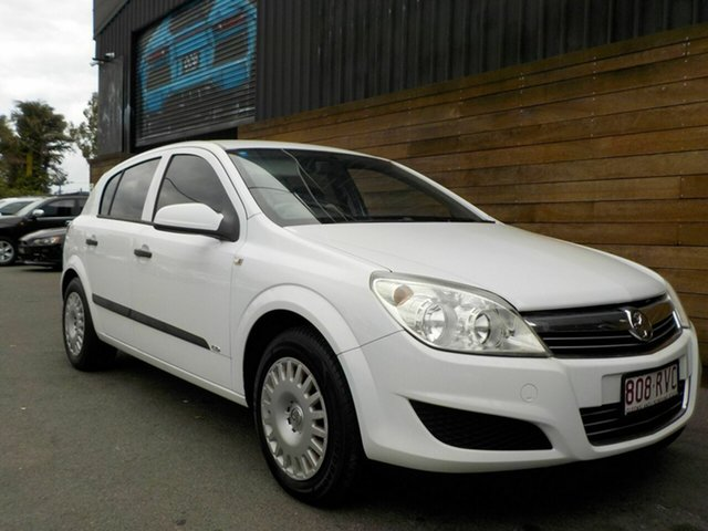 Used Holden Astra AH MY08 CD, 2008 Holden Astra AH MY08 CD White 4 Speed Automatic Hatchback