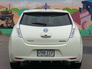 2012 Nissan Leaf ZE0 Polar White 1 Speed Reduction Gear Hatchback.