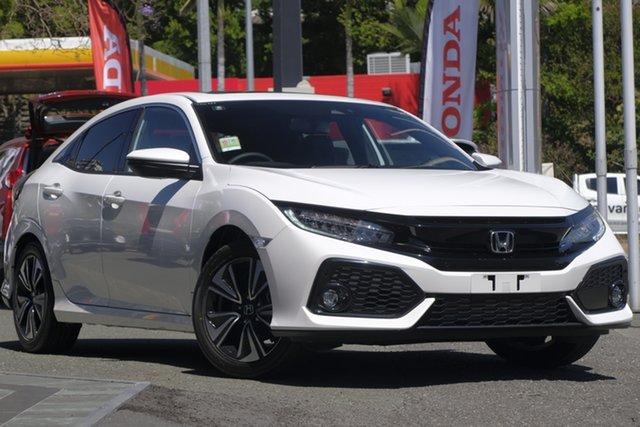 Demo Honda Civic 10th Gen MY19 VTi-LX, 2019 Honda Civic 10th Gen MY19 VTi-LX Platinum White 1 Speed Automatic Hatchback