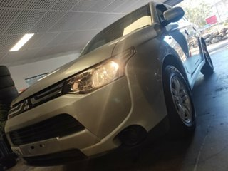 2012 Mitsubishi Outlander ZJ MY13 ES 4WD Silver 6 Speed Constant Variable Wagon