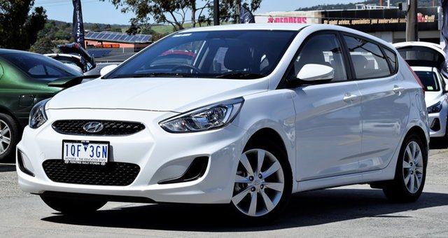 Demo Hyundai Accent RB6 MY19 Sport, 2019 Hyundai Accent RB6 MY19 Sport Chalk White 6 Speed Sports Automatic Hatchback