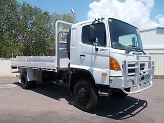 2006 Hino GT White Cab Chassis.