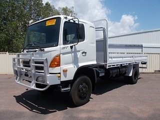 2006 Hino GT White Cab Chassis
