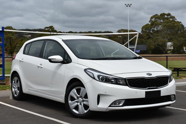 Used Kia Cerato YD MY17 S, 2016 Kia Cerato YD MY17 S White 6 Speed Sports Automatic Hatchback