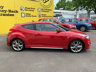 2015 Hyundai Veloster FS4 Series II SR Coupe D-CT Turbo + Veloster Red 7 Speed