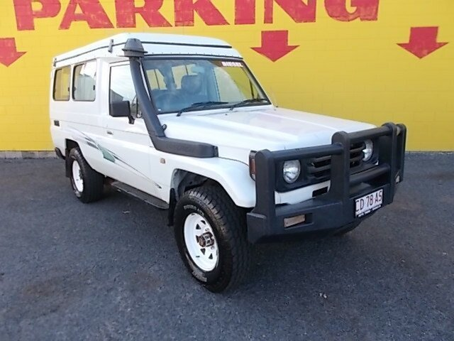 Used Toyota Landcruiser HZJ78R Troopcarrier, 2001 Toyota Landcruiser HZJ78R Troopcarrier White 5 Speed Manual Wagon