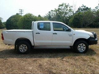 2013 Toyota Hilux KUN26R MY12 Workmate (4x4) Glacier White 5 Speed Manual Dual Cab Pick-up.