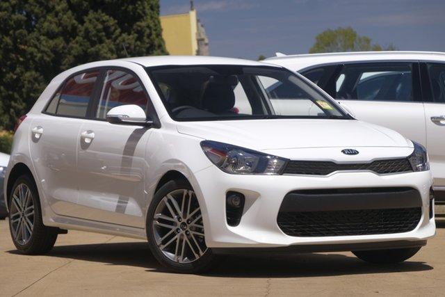 Demo Kia Rio YB MY20 Sport, 2019 Kia Rio YB MY20 Sport Clear White 6 Speed Automatic Hatchback