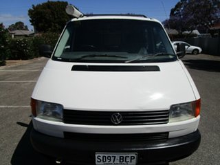 2000 Volkswagen Transporter T4 (SWB) 4 Speed Automatic Van.