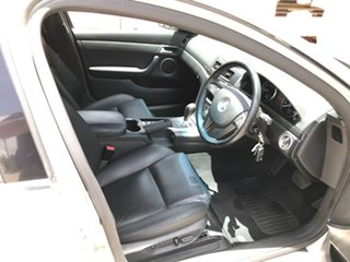 2006 Holden Calais VE Silver 5 Speed Sports Automatic Sedan.