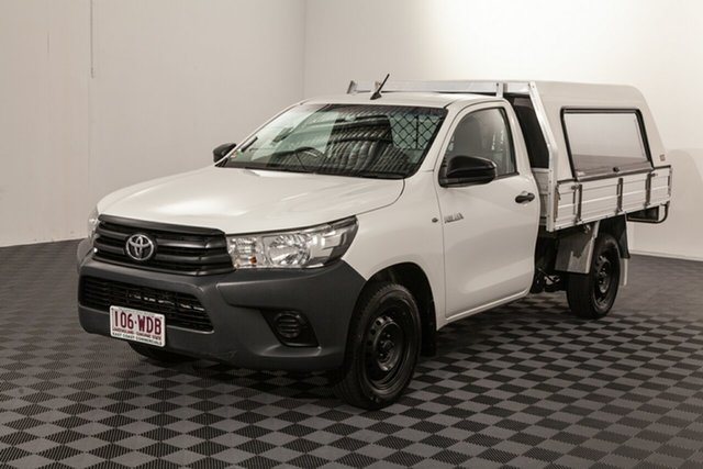 Used Toyota Hilux TGN121R Workmate 4x2, 2015 Toyota Hilux TGN121R Workmate 4x2 White 6 speed Automatic Cab Chassis