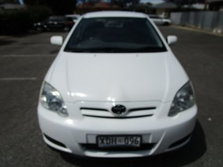 2004 Toyota Corolla ZZE122R Ascent 5 Speed Manual Sedan.