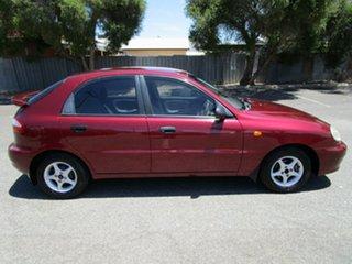 2000 Daewoo Lanos SE 5 Speed Manual Hatchback.