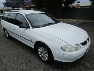 2000 Holden Commodore VTII Executive 4 Speed Automatic Wagon.