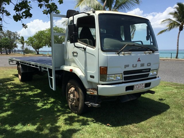 Used Mitsubishi Fighter FK FK61 6.0 XLWB, 2005 Mitsubishi Fighter FK FK61 6.0 XLWB White Cab Chassis 7.5l 4x2