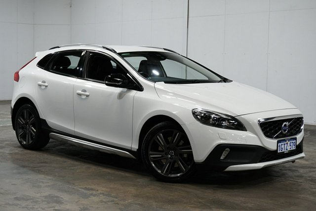 Used Volvo V40 M Series MY15 D4 Adap Geartronic Luxury, 2015 Volvo V40 M Series MY15 D4 Adap Geartronic Luxury White 8 Speed Sports Automatic Hatchback