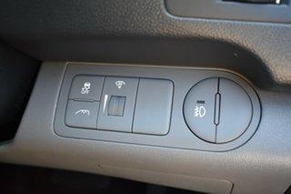 2015 Hyundai iMAX TQ3-W Series II MY16 Creamy White 5 Speed Automatic Wagon