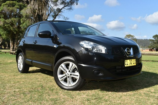 Used Nissan Dualis J10W Series 3 MY12 ST Hatch 2WD, 2013 Nissan Dualis J10W Series 3 MY12 ST Hatch 2WD Black 6 Speed Manual Hatchback