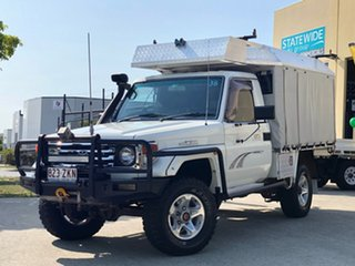 2005 Toyota Landcruiser HDJ79R RV (4x4) White 5 Speed Manual 4x4 Cab Chassis.